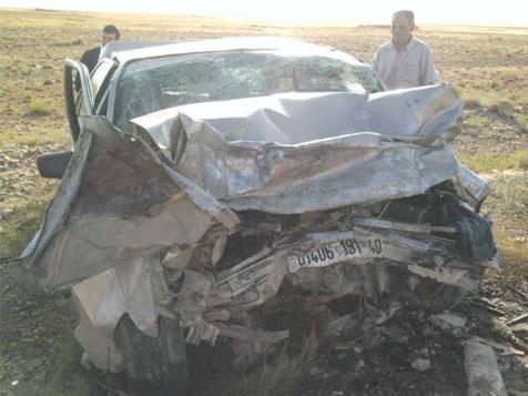 06 صور لحادث مرور بين خنشلة وطامزة